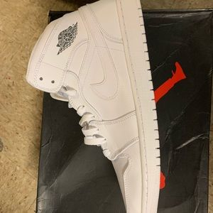 Nuke air Jordan retro 1 mids